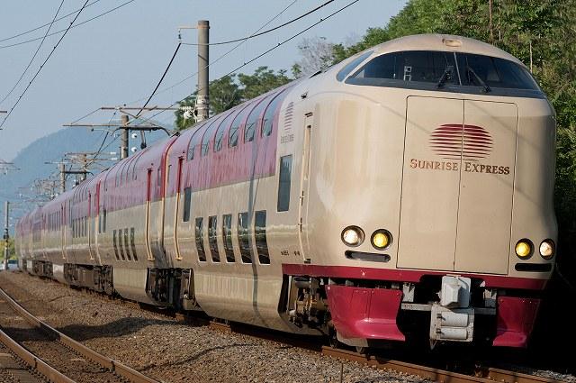 285系は583系以来の寝台電車として1998年に登場しました。JR西... 果て無き車両図鑑